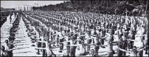 Recruits training the beach in Miami Beach during WWII.  Photo credit: miamibeachpropertyblog.com
