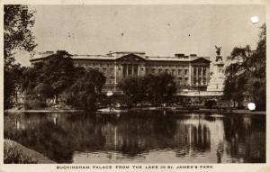Post card image of Buckingham Palace from the postcard dad sent home with his letter dated March 21, 1944.